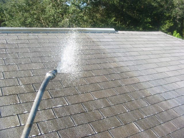 Thompson Roof Cleaning